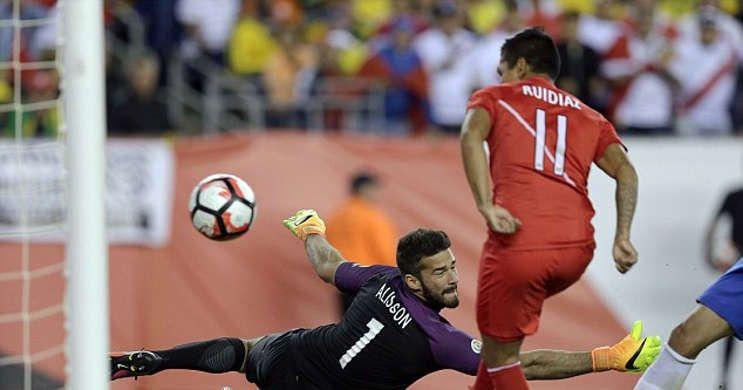 Berita Bola: Miranda Tegaskan Gol Peru Handball -  http://www.football5star.com/international/berita-bola-miranda-tegaskan-gol-peru-handball/73126/