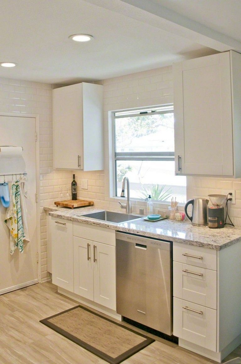 17+ Best Small Kitchen Remodeling Ideas On a Budget #kitchenremodelsmall