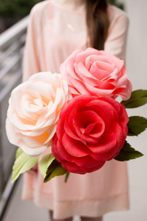 DIY: Crepe Paper Roses Tolles Bastelmaterial findet ihr auch bei #Idee bei uns in der #EuropaPassage! #DIY #Selbstgemacht #basteln #Spaß #kreativ