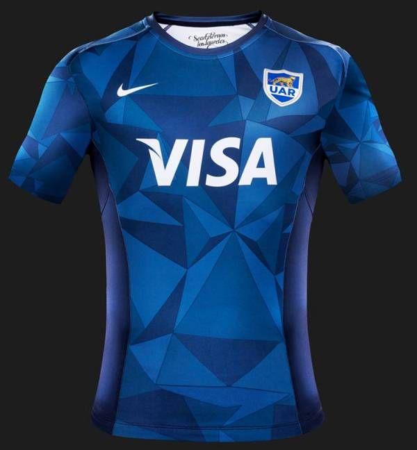 compartir si puedes Nacional  Esta es la camiseta oficial de Argentina de distancia. es principalmente  azul manchado con blanco pa… | Sport shirt design, Sports jersey design,  Rugby championship