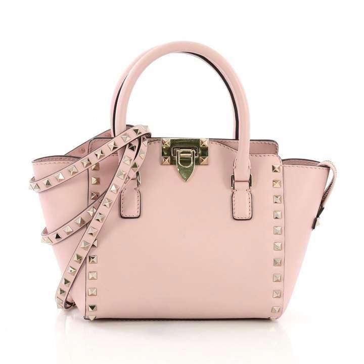 a213407e610 Valentino Rockstud Pink Leather Handbag #Valentino | Valentino in ...