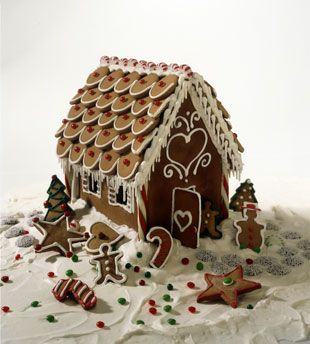 Ginger bread house with perfect use of royal icing