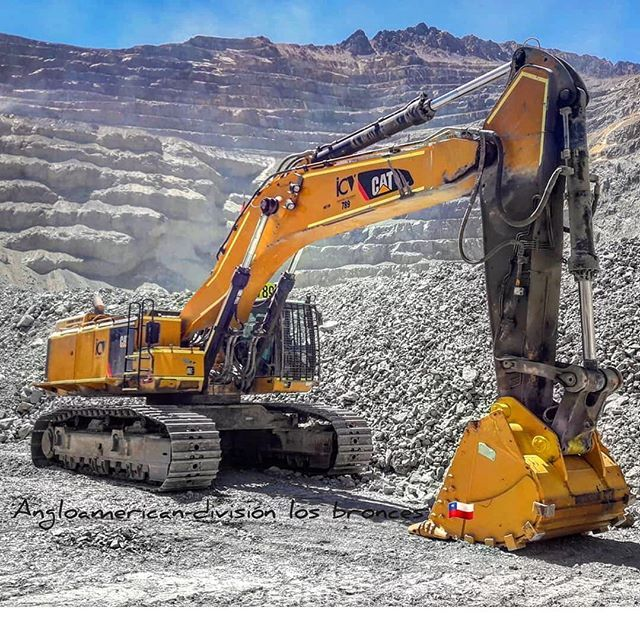 Cat 390 Hydraulic Excavator En Instagram Cat 390 Linked Pages Caterpi Earth Moving Equipment Heavy Equipment Mechanic Heavy Construction Equipment