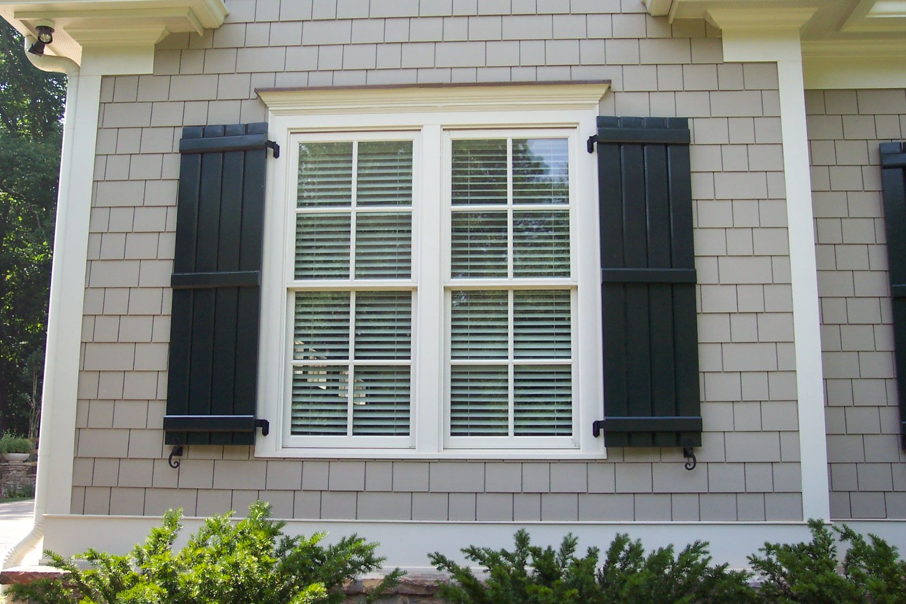 Board and batten shutters i would like black ones for the for Change exterior of house