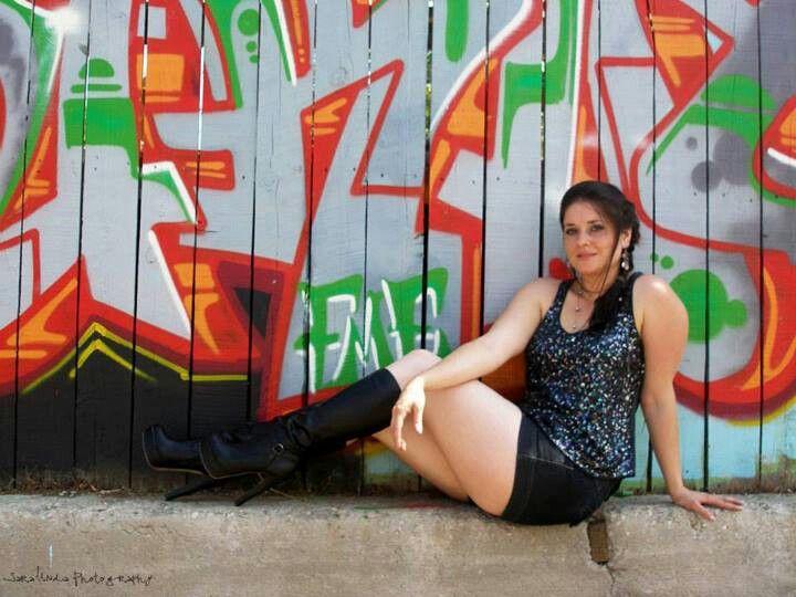 #photoshoot #photography #graffiti #heels #modeling #pose