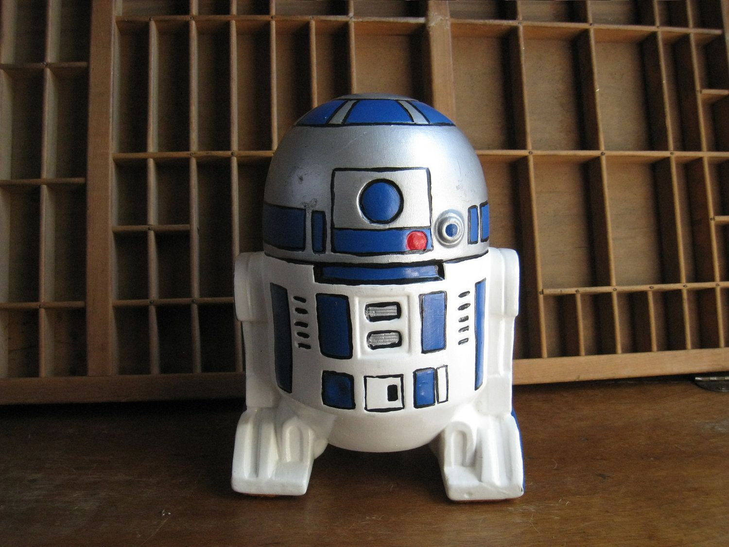 Wow Look My Boys Have One Of These Star Wars R2d2 Statue Savings Bank By Zelda110 On Etsy Star Wars R2d2 Statue Star Wars