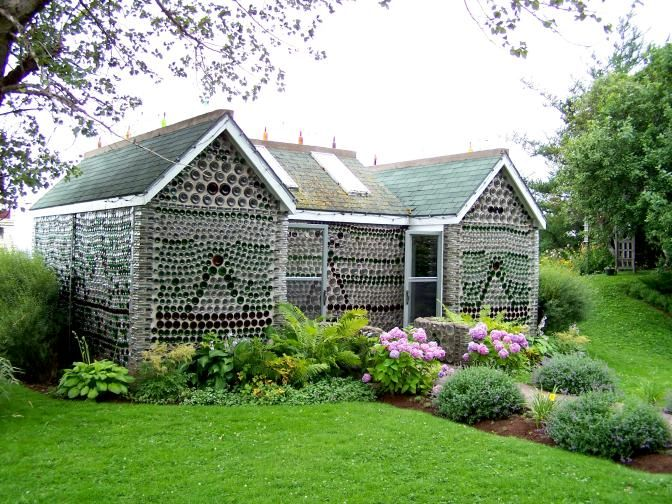 「prince edward island Bottle house」の画像検索結果