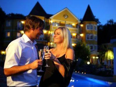 http://www.kurz-mal-weg.at/angebote.php3?anbieter_id=473  Schlössl Hotel Kind, Bad Gleichenberg, Steiermark
