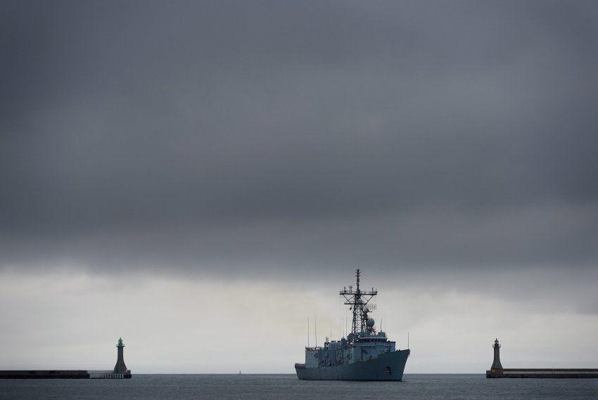 NATO's Putin Conundrum : Berlin Considers Its Alliance Options / SpiegelOnlineInternational | #socialgeo