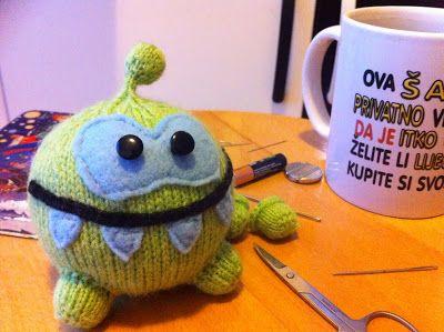 Cute Amigurumi Knitting Patterns : Amigurumi om nom cute the rope free knitting pattern tutorial