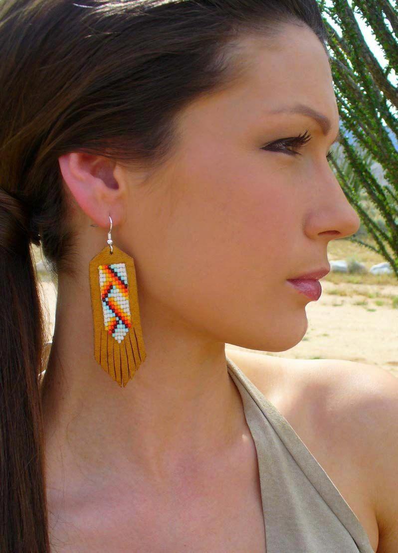 Native American Handmade Beaded Leather Earrings by EarthArtistry #nativeamericanjewelry #nativeamericanbeadworkpatters
