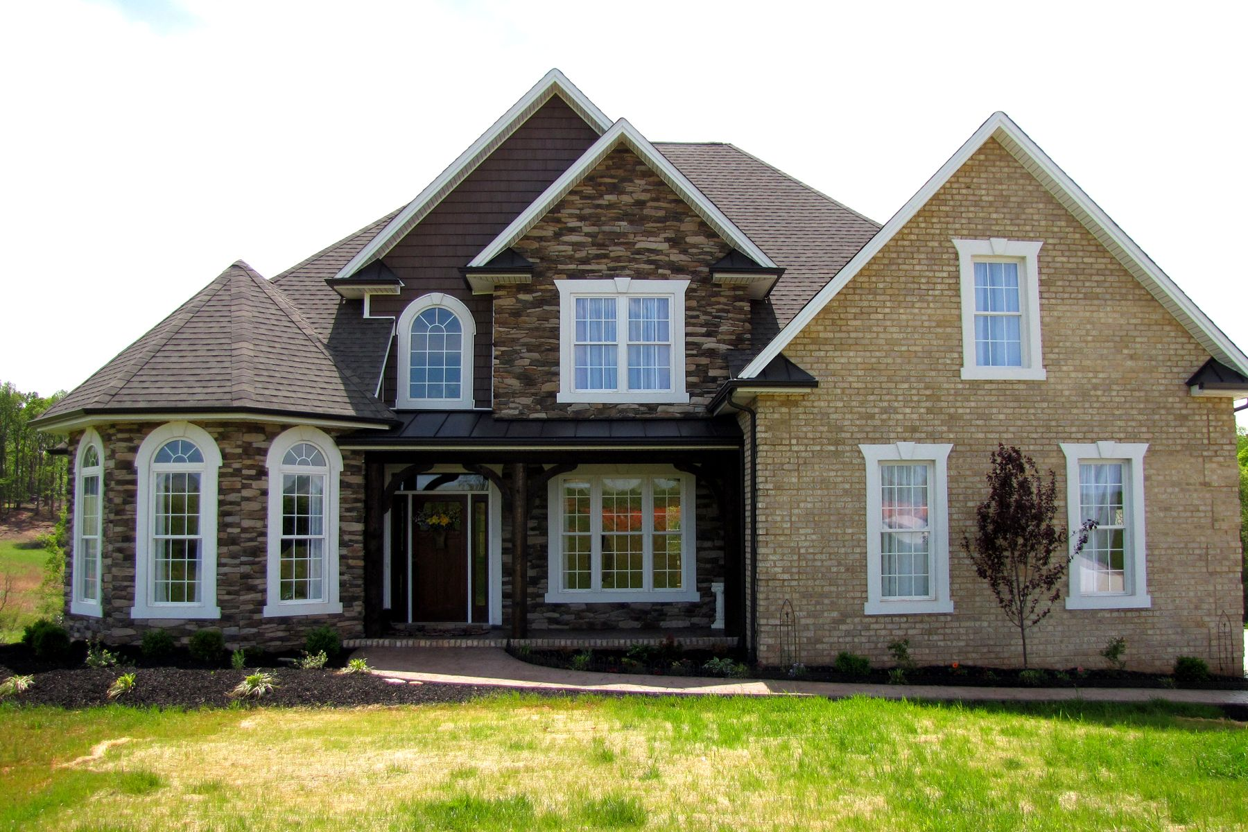 Frank Betz House Plan Coventry With A Bit Of A Modified Interior House Styles House House Plans