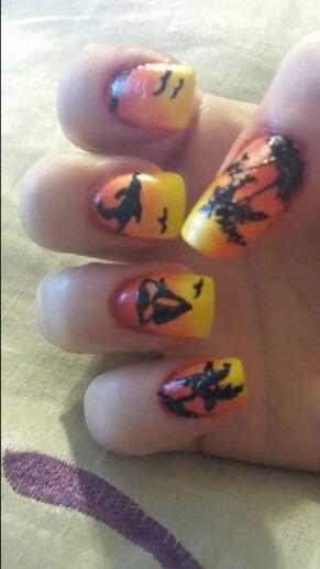 Beach sunset nail art