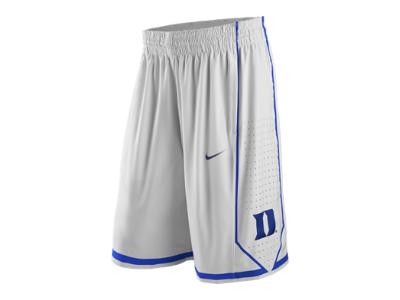 Estos pantalones cortos son muy elegantes. Son negros, azules, y blancos. No son formal. Puedes llevar estos pantalones cortos con una camiseta y zapatos. Puedes ver la tele, jugar al basquetbol, hacer la tarea, o algo mas quieres hacer en estos pantalones cortos.