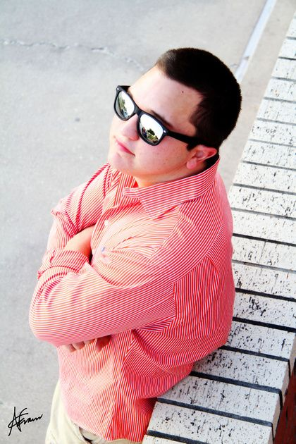 www.nickievansphotography.com, Katy TX photographer, Houston photographer, high school senior, senior boy, senior portraits, senior photos, senior portrait ideas, mirrored sunglasses, wayfarers, Ray-Bans, Baytown TX, West Texas Avenue.
