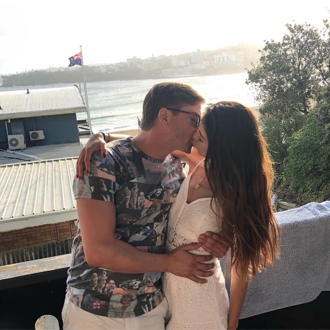 Erin krakow dating
