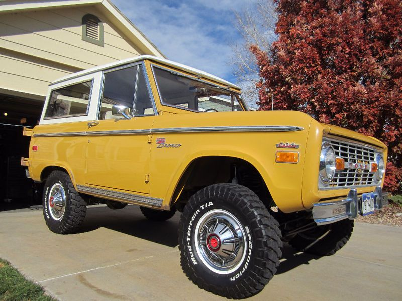 Vintage Bronco Hubby Has Promised To Buy Me One For About 10 Years Ford Bronco Classic Bronco Classic Ford Broncos