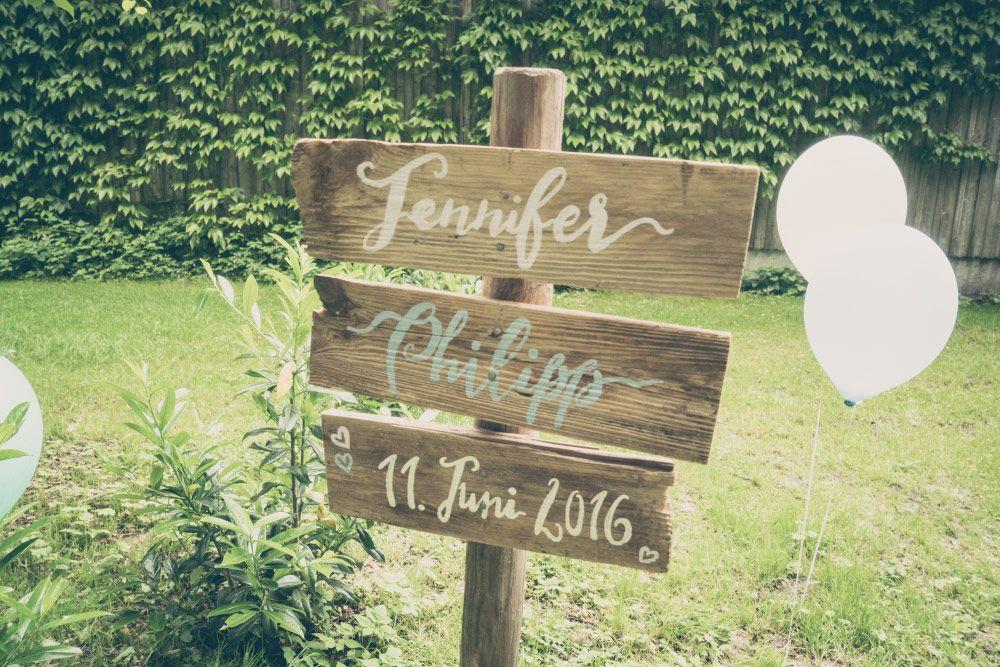 Vintage #Holzschild bei der #Hochzeit ! Foto: Viktor Schwenk ...