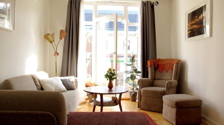 Gemütliche sessel wohnzimmer  Gemütliche Einrichtungsinspiration aus Hamburg: Sonnendurchflutetes ...