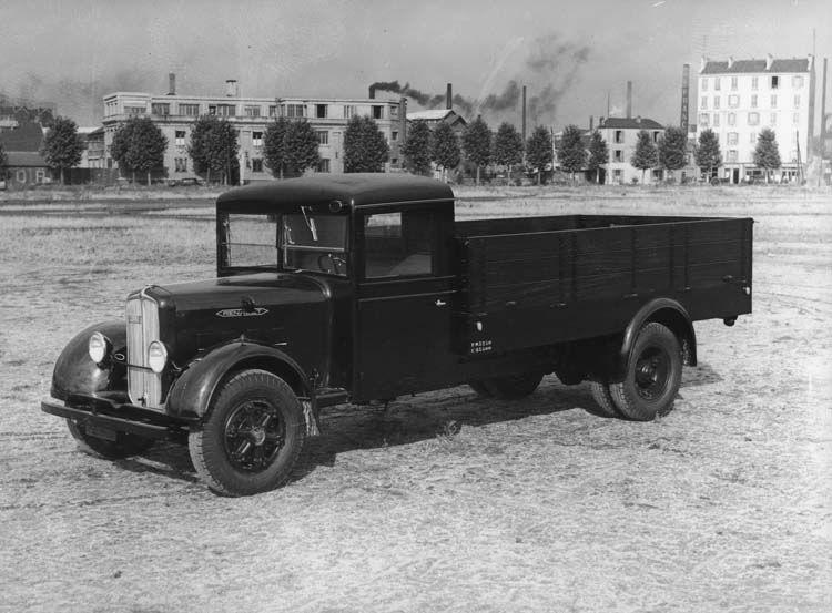 camion l u00e9ger renault type yf 70 cv 4 5 tonnes   photographe