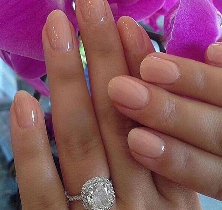 Neutral nails   Pretty claws   Pinterest   Neutral nails, Neutral ...
