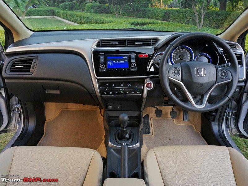 Đánh giá xe Honda City 2016 về nội thất với những nâng cấp đáng kể trên phiên bản thế hệ thứ 4 của chiếc sedan hạng B này: cabin rộng rãi, cốp lớn...