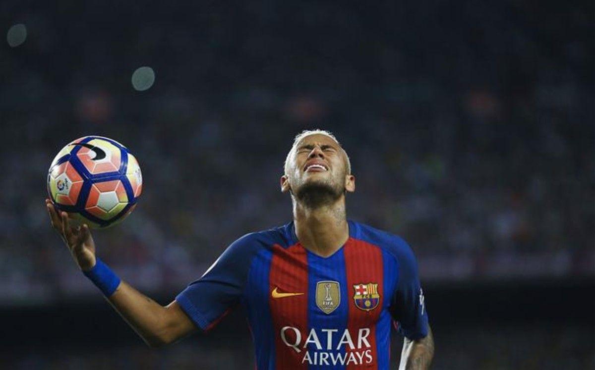 Quinta Jornada de Liga. FCB - At. de Madrid (1-1). Todos los esfuerzos de Neymar fueron en vano. No estuvo bien el brasileño, y no consiguió suplir la baja de Messi.