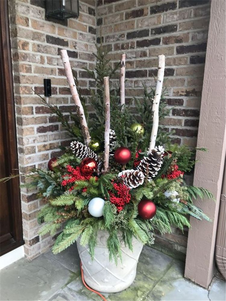 30 Amazing Front Porch Christmas Decorating Ideas Outdoor