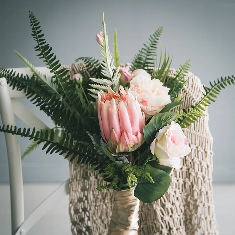 Miz Pink And White King Protea Bud Flower Party Bud Flower For Home De Myhome Living Com Modern Artificial Flowers Silk Flowers Flower Party