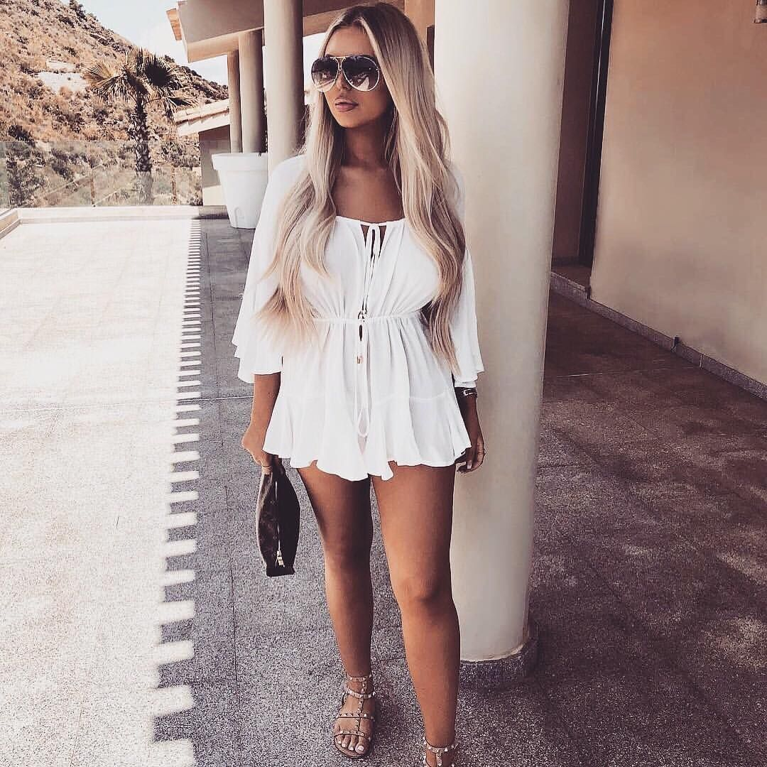 a3be9f00464 Dream babe  pollymarchant showing us how it s done in the SKYLA playsuit  💅🏼