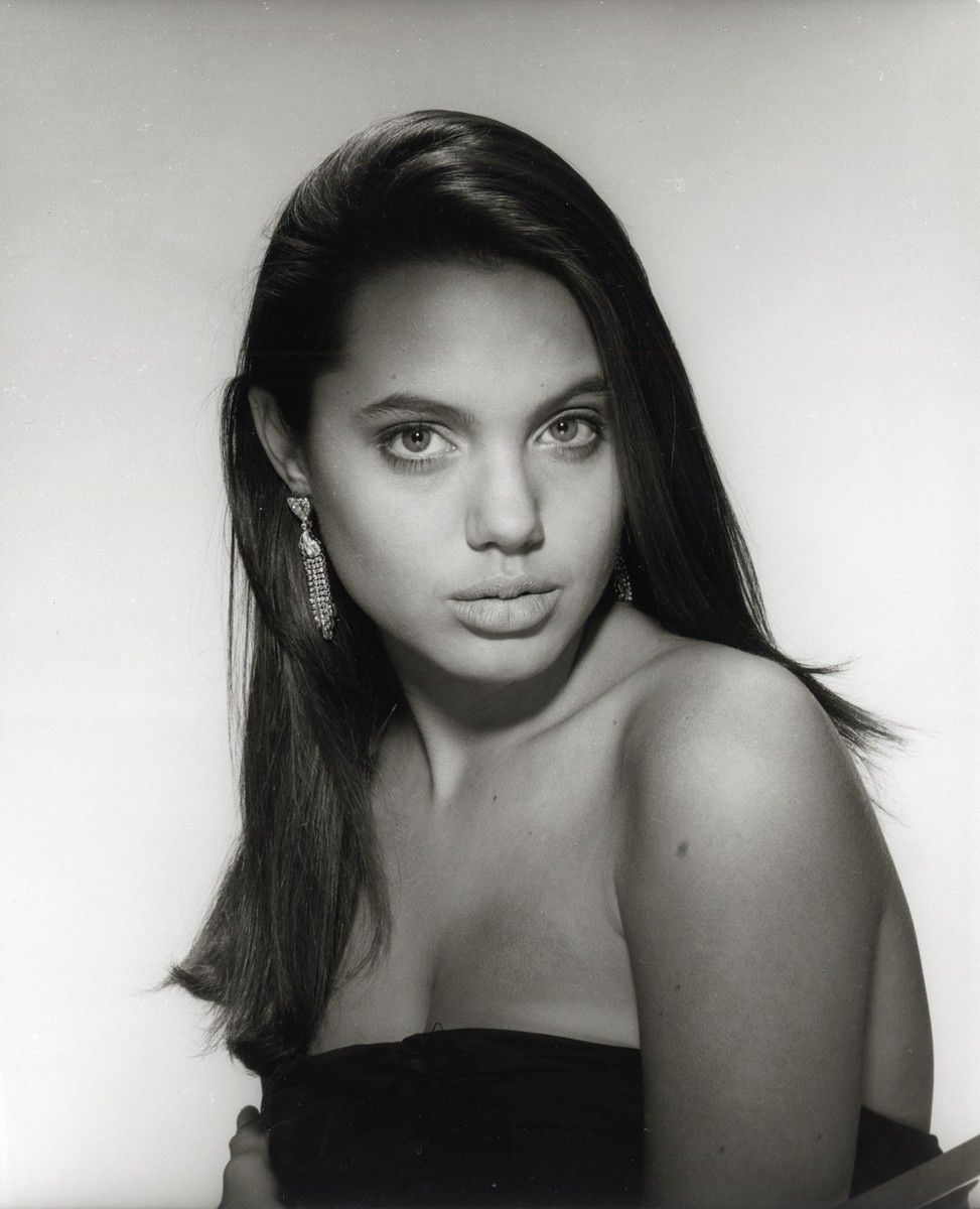 Angelina Jolie Mojave Moon Nude angelina jolie mania