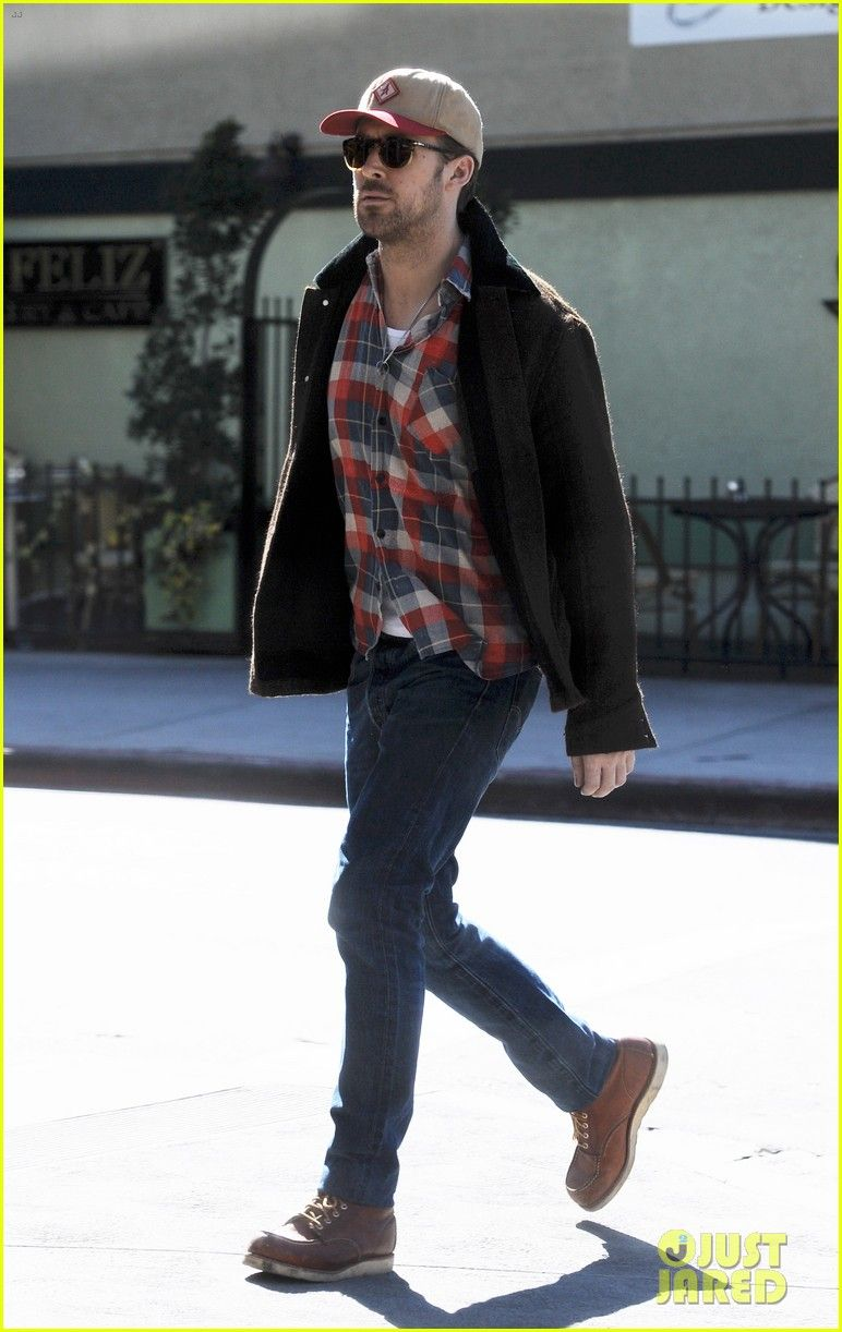9ee2e88385211 Ryan Gosling in the Classic Moc