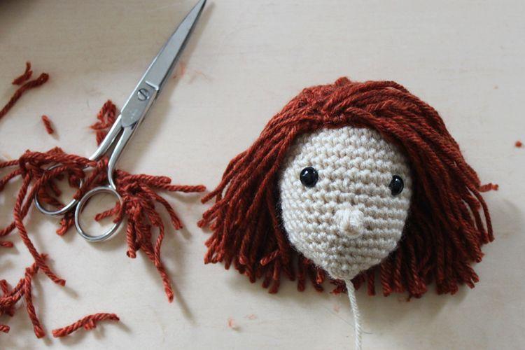 How to add Yarn Hair to Amigurumi Crochet Dolls with Hair Cap ... | 500x750