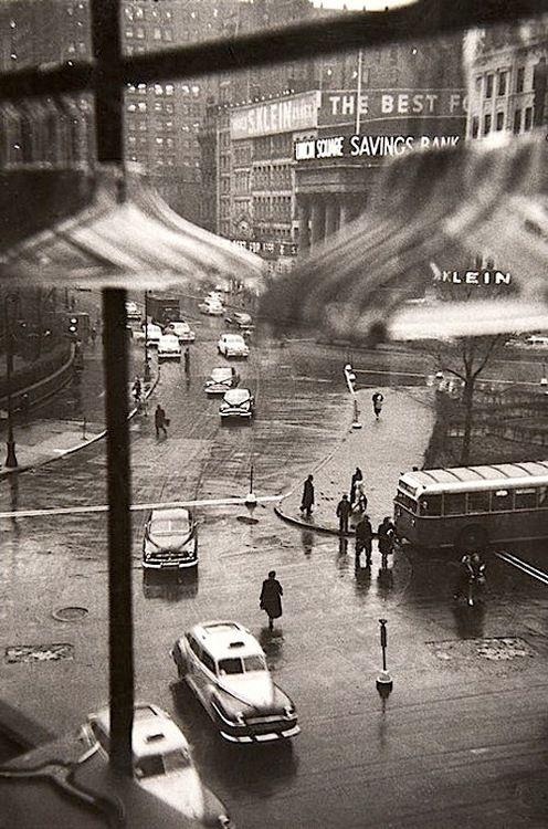 Louis Faurer - Union Square, New York City, 1950