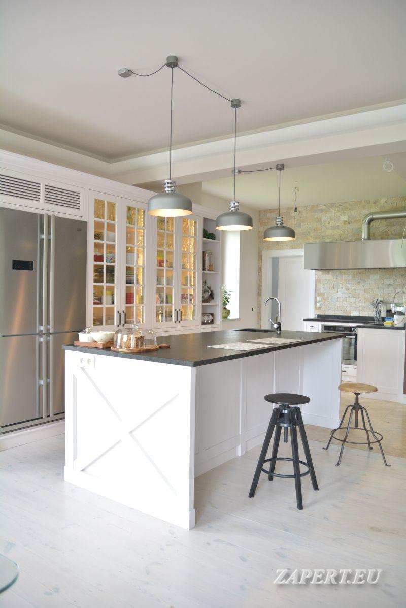 Biala Klasyczna Kuchnia Z Wyspa Home Decor Kitchen Decor