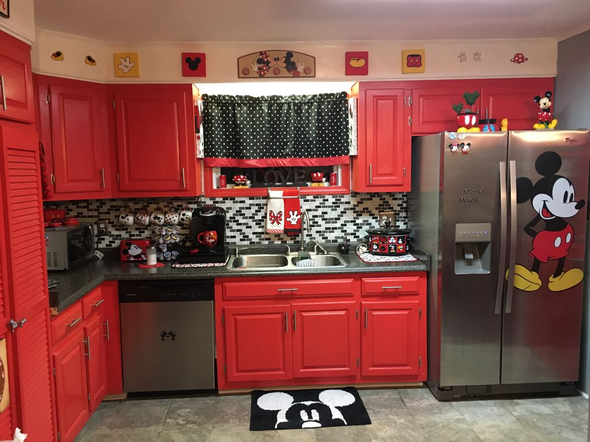 My Mickey And Minnie Mouse Kitchen