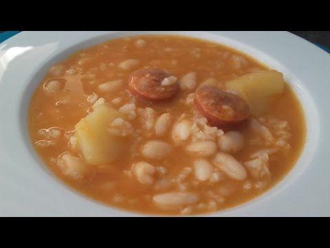 Habichuelas Con Chorizo Youtube Alubias Alubias Blancas Pimiento Verde