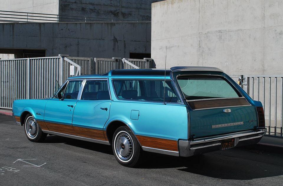 1967 Oldsmobile Vista Cruiser Vintage Station Wagons