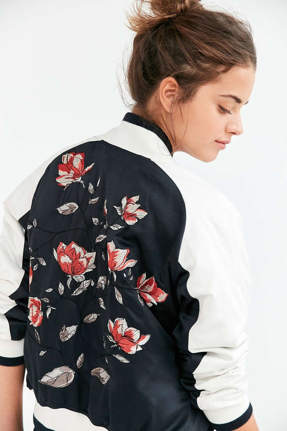 40c35fb302198 Silence + Noise Stays On Tour Satin Bomber Jacket - Urban Outfitters