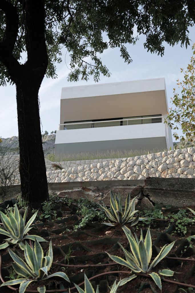 Architecture, Divine Modern White House Called As The House U Designed By  Architects Featuring Concrete Exterior Plus Glass Wall And Stone Pattern:  One Of ...