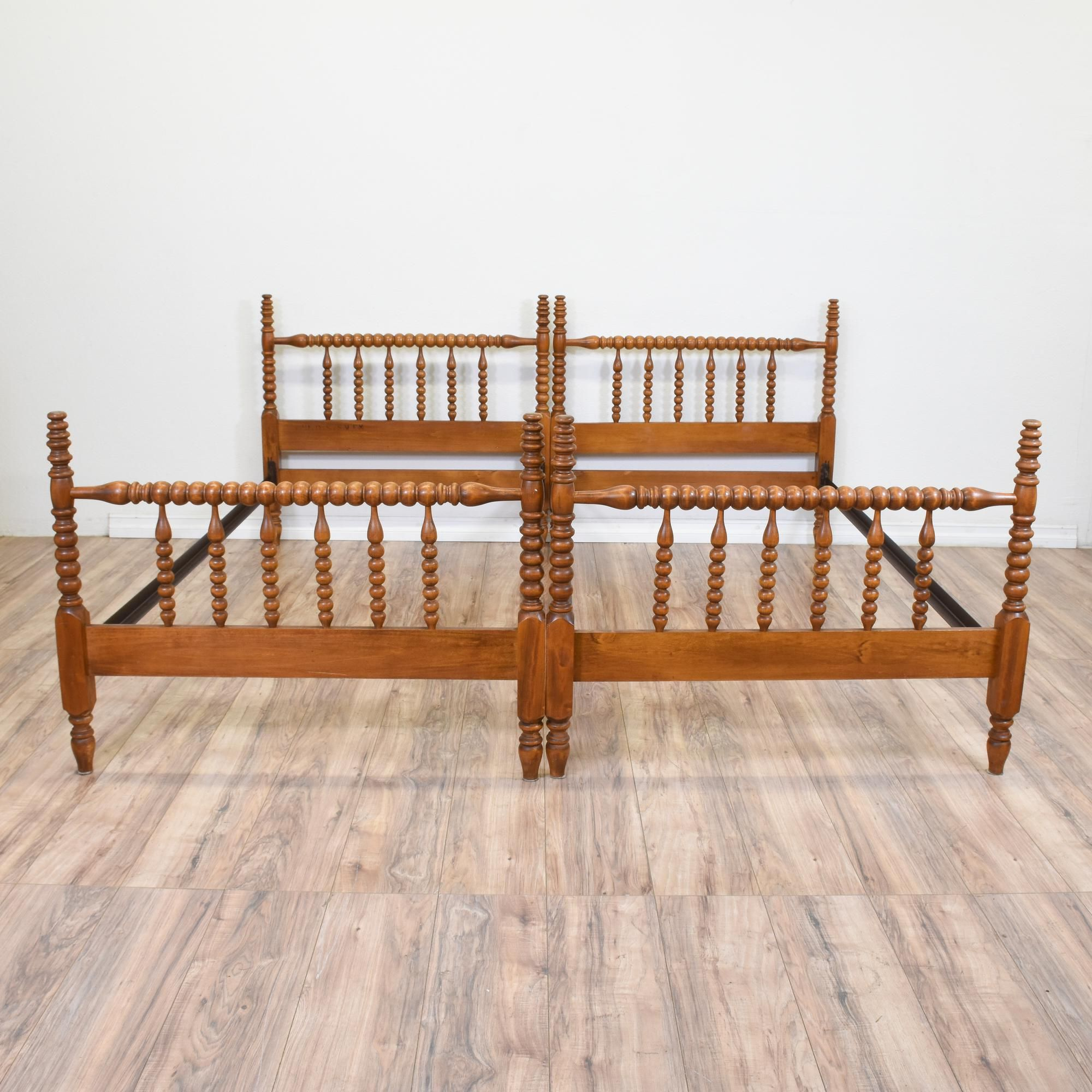 Pair Of Jenny Lind Style Carved Spindle Twin Beds How to