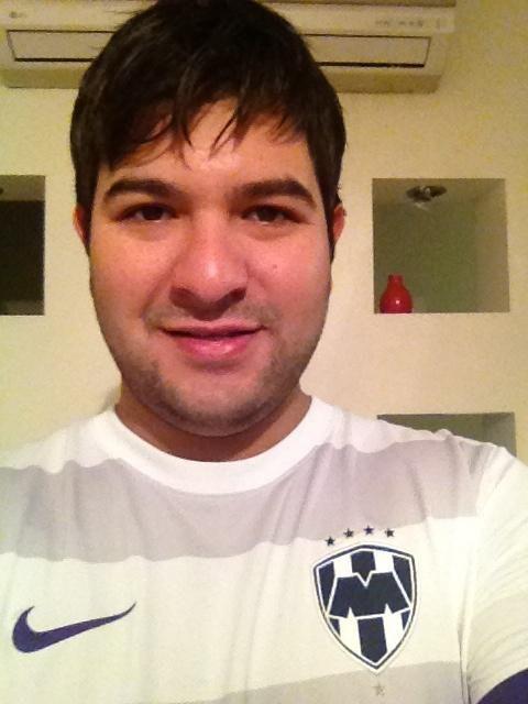 Javier Rodríguez @javordz9  No me enseñaron a abandonar! Vanos Rayados! #SiSePuede