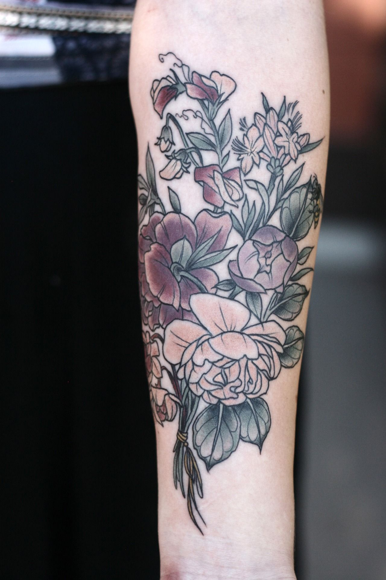 pretty garden rose, peony, sweet pea, honeysuckle and pitcher plant blossom bouquet for Chelsea! so lovely as always to tattoo you and hang out with you, girl.
