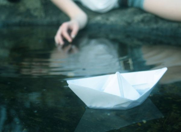 watch me as i fall  into the water calling  watch me as i sink  into the sea and  always remember me.