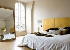 Peinture chambre zen couleur lin et tête de lit jaune