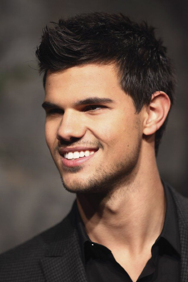Pictures Photos Of Taylor Lautner Taylor Lautner Celebrity Smiles Haircuts For Men