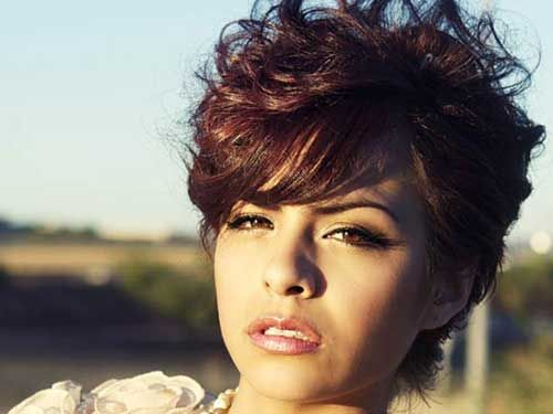 Best Curly Short Hairstyles For Round Faces Best Short Haircuts Short Curly Haircuts Short Hair Styles For Round Faces Curly Pixie Hairstyles