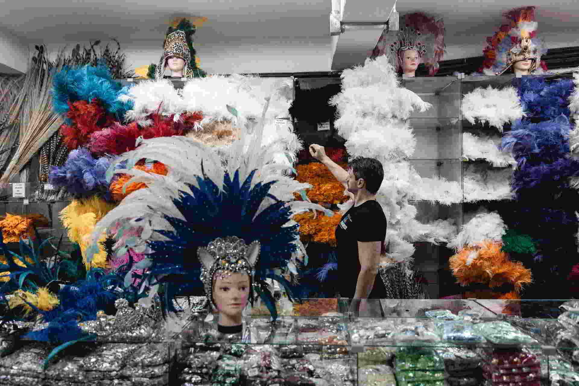 nsaio de Carnaval do G1 mostra um dia na vida de destaques das escolas de SP. Aqui vamos saber como é a rotina de Daniel Manzioni, rei de bateria da Acadêmicos do Tatuapé (Foto: Marcelo Brandt/G1)