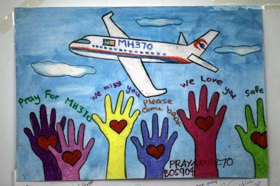 Familiares De Viajeros Del Avión Desaparecido Amenazan Con Huelga De Hambre