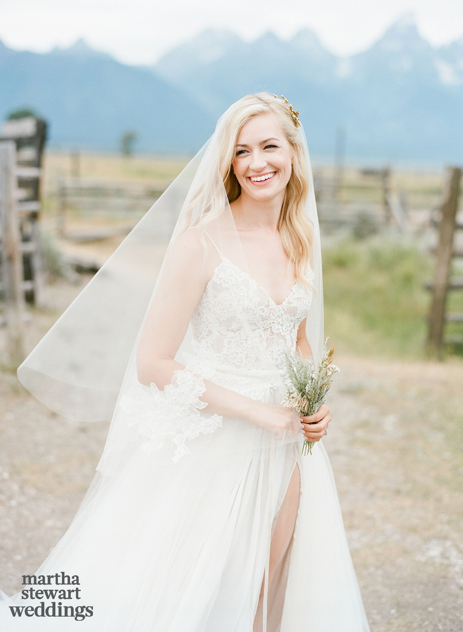 Exclusive See Beth Behrs And Michael Gladis S Beautiful Wedding